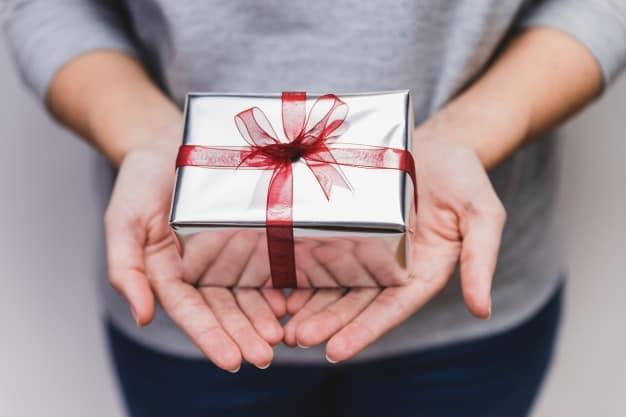 8-effective-ways-csrs-can-create-customer-loyalty-reward